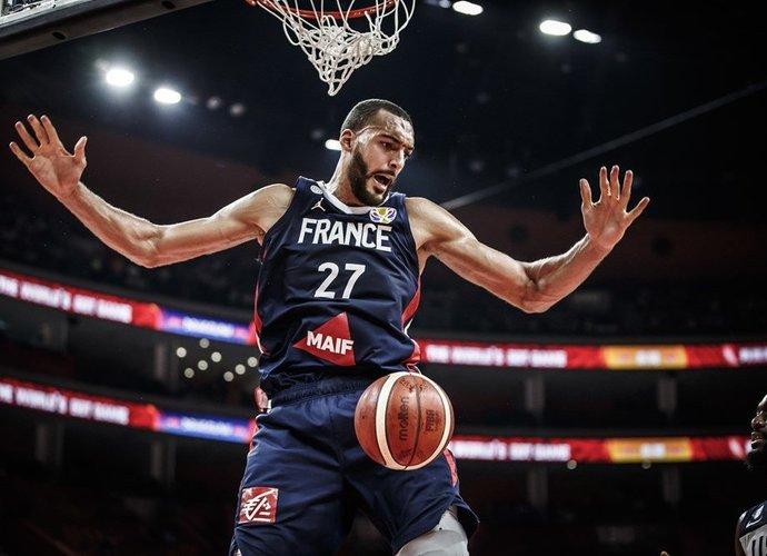 R.Gobertas mače su JAV surinko net 36 naudingumo balus (FIBA nuotr.)