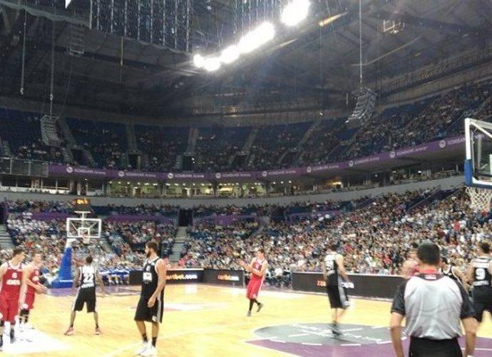 """""""Kombank"""" arenoje žiūrovai susirinko pažiūrėti tikrą krepšinio šou"""