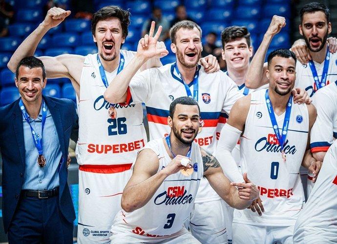 A.Valeika džiaugiasi medaliu (FIBA Europe nuotr.)