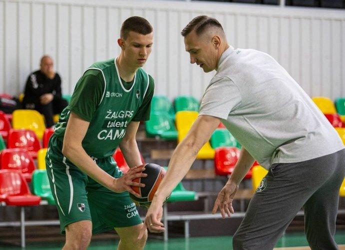 P.Jankūnas sportavo su jaunimu (Foto: Žalgiris)