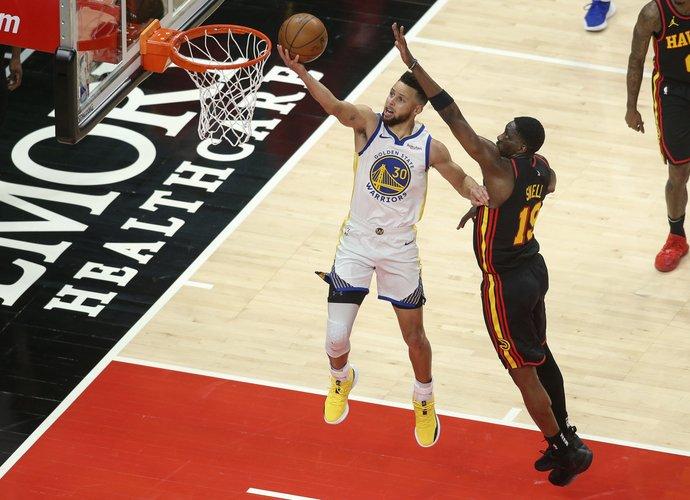 S.Curry taškų pergalei nepakako (Scanpix nuotr.)