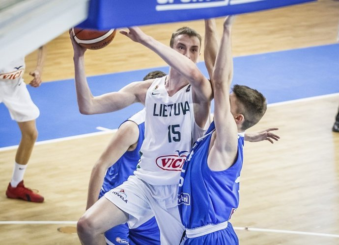 Puolime strigę lietuviai suklupo (FIBA Europe nuotr.)