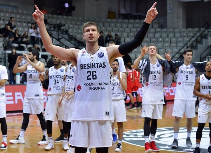 Žaidėjai žada nesitreniruoti tol, kol negaus atlyginimų (FIBA Europe nuotr.)