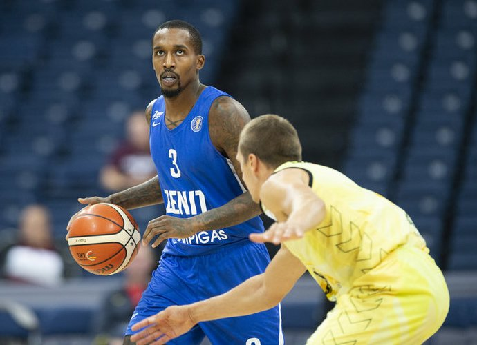 B.Jenningsas žais Sankt Peterburgo ekipoje (www.kavolelis.lt)